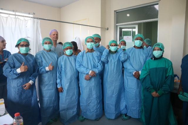 Tim Dokter Vlissingen Mulai Gelar Operasi Urologi Gratis di Ambon