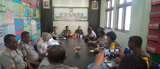 Jelang Bhakti Sosial, Polres SBT Gelar Rapat