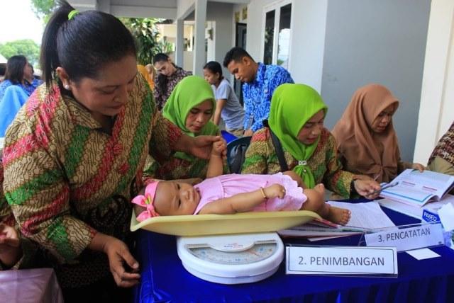 Posyandu Teratai Satbrimob Maluku Beri Layanan Kesehatan Ibu dan Anak
