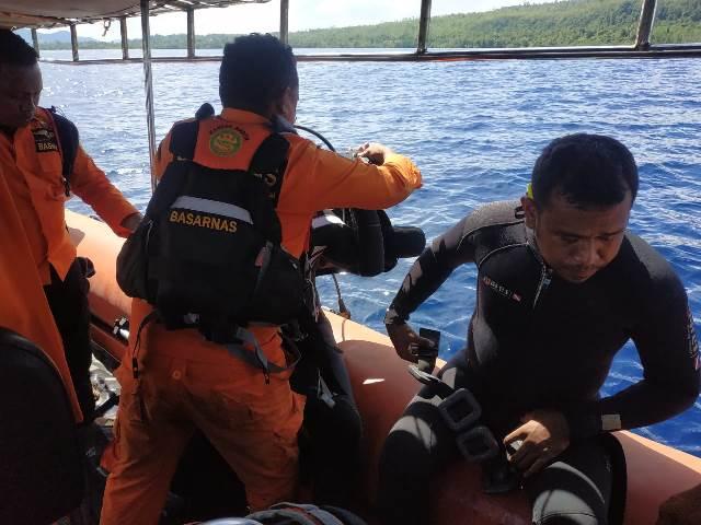 Cari Warga Yang Jatuh Dari Speedboat, Keluarga Korban Minta Tim SAR Menyelam