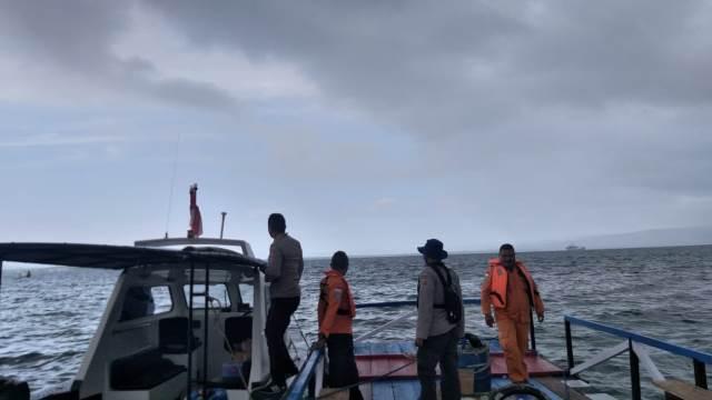 Tim SAR Belum Temukan Longboat yang Hilang Kontak di Perairan Buru