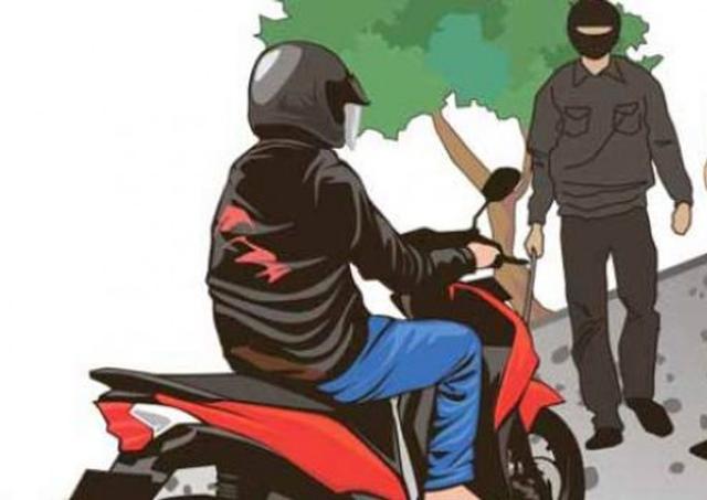 Pengendara Sepeda Motor di Bula Dibacok OTK