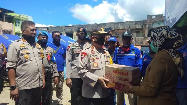 Polda Maluku & Polresta Ambon Bantu Korban Kebakaran Di Kawasan Ongkoliong