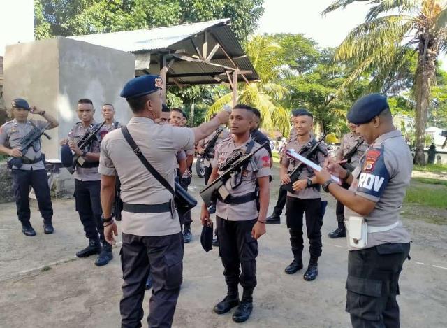 Cegah Covid-19, Personel Gegana Satbrimob Maluku Periksa Suhu Tubuh
