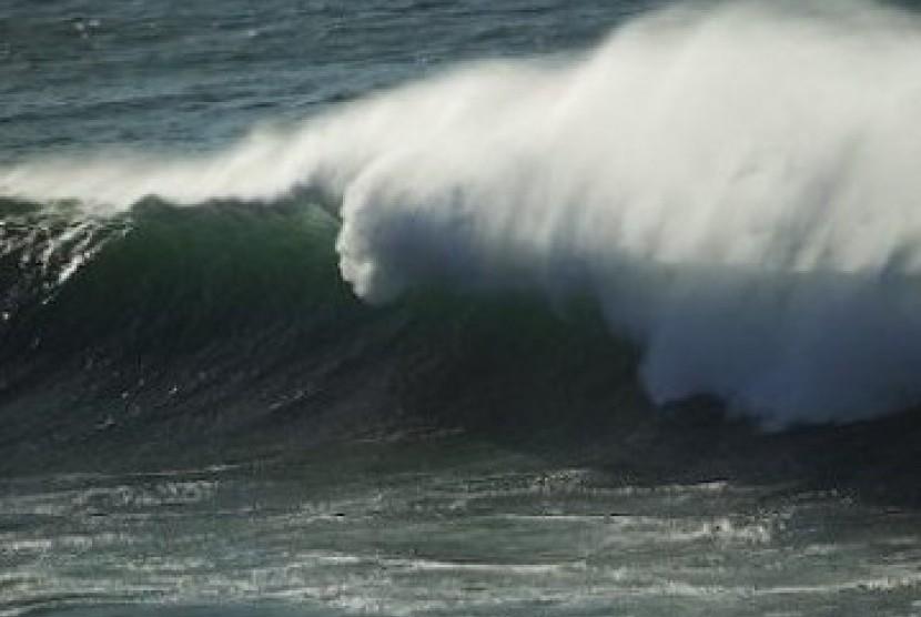 BMKG:  Gelombang 4 Meter Berpeluang Terjadi Di Perairan Tanimbar & Laut Arafura
