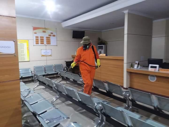 Cegah Corona, Dinkes Sterilisasi Balai Kota Ambon