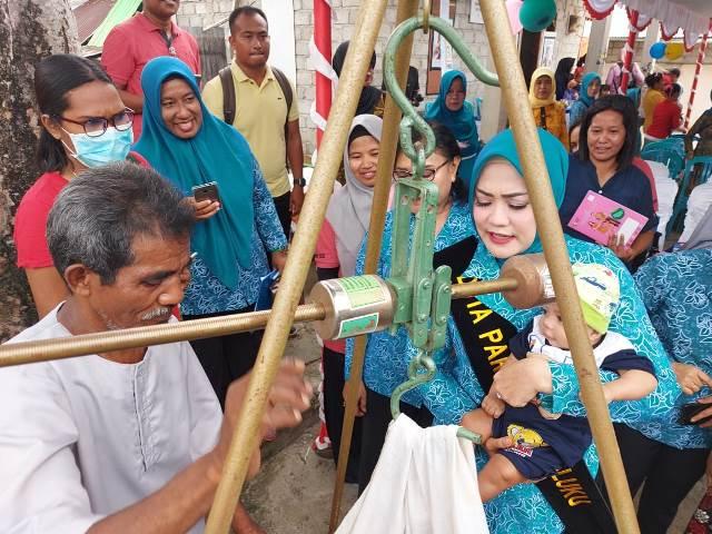 Duta Parenting Maluku Ajak Orang Tua Rutin Bawa Balita ke Posyandu