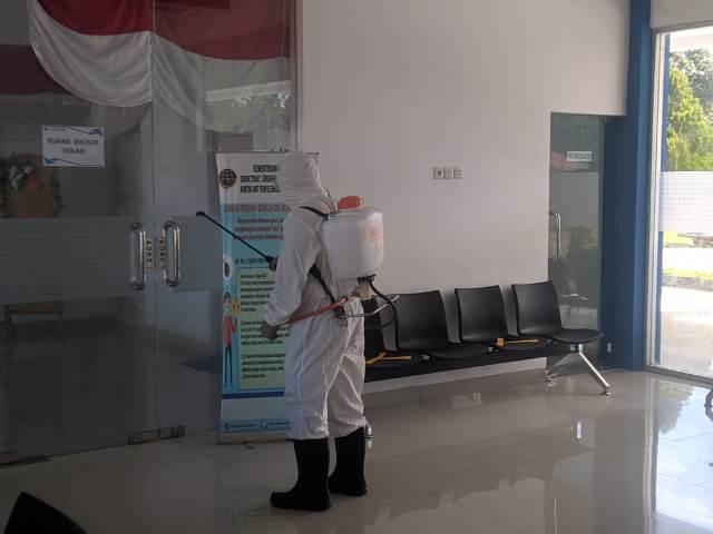 Brimob Polda Maluku Sterilisasi Bandara Amahai