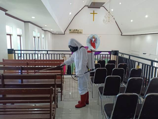 Brimob Sterilisasi Tempat Ibadah di Dobo