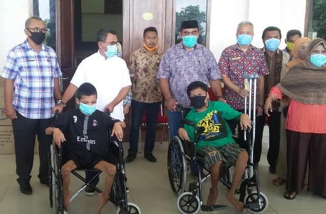 Penyandang Disabilitas Di Kabupaten Buru Peroleh Bantuan