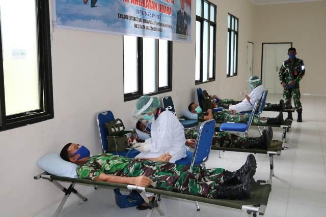Peringati HUT Ke-74 TNI AU, Lanud Pattimura Gelar Donor Darah
