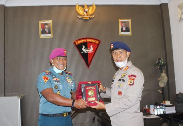 Pindah Tugas, Komandan Yonmarhanlan Pamitan Ke Satbrimob Maluku