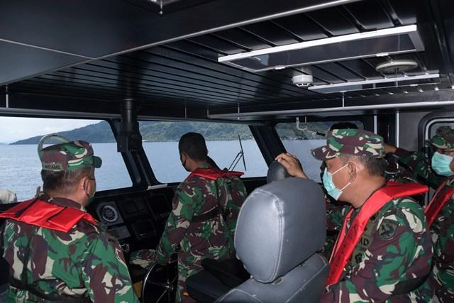 Pangdam Pattimura Beri Edukasi Cegah Covid-19 Ke Warga Pesisir Teluk Ambon