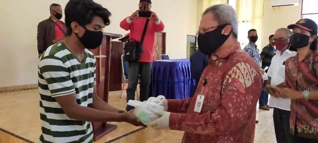 278 Mahasiswa UKIM Dapat Bantuan Sembako Pemkot Ambon