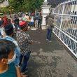 Minta Dipulangkan, Mahasiswa Demo Di Kantor Gubernur Maluku