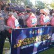 Peduli Covid-19, TNI – Polri Di Aru Bagi Ribuan Paket Sembako