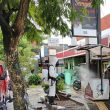 Brimob Maluku Semprot Disinfektan Di Kawasan Jalan Sudirman