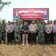 Kapolres Aru Pimpin Penanaman Bibit Jagung Serentak