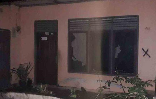 Bentrok Di Negeri Liang, 5 Rumah Rusak & 1 Mobil Dibakar OTK