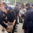 Brimob Maluku Bantu Warga Bangun Masjid
