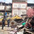 Akhirnya Ratusan Lapak Pedagang Pasar Mardika Dibongkar
