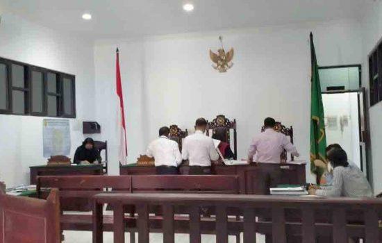 Sidang Praperadilan, Ferry Tanaya Sodorkan Sejumlah Bukti Ke Hakim