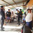 Di Bula, Brimob Maluku Rutin Bagi Masker