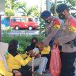 Brimob Maluku Bantu Warga Di Tengah Pandemi Covid-19