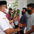 Warga Bursel Peroleh Bantuan Gubernur Maluku