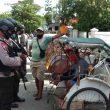 Brimob Maluku Patroli Kewilayahan Sambil Ajak Warga Patuhi Protokol Kesehatan