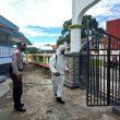 Cegah Penyebaran Covid-19, Personel Brimob Maluku Semprot Disinfektan