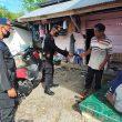 Brimob Maluku Bagi-bagi Masker