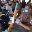 100 Warga Desa Waetina Terima Bantuan Bencana Alam