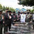 HUT ke-76 TNI di Ambon, 693 Pucuk Senpi Rakitan Dimusnahkan